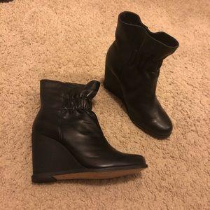 NWOT Splendid leather wedge booties